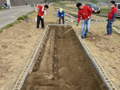 犀川河川敷、花壇手入れボランティア